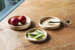 木製食器の弱点をアウトドアシーンに特化させ<br>克服した「山のうつわ DISH」